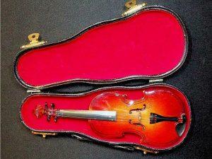 Minature Violin